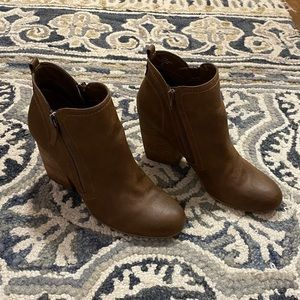 Crown Vintage Heeled Booties - Size Women's 8